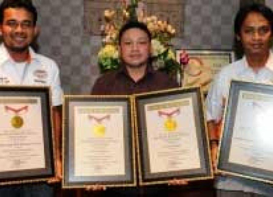 LUARBIASA!! 2 REKOR MURI TEMBUS UNTUK YUASA BATTERY INDONESIA