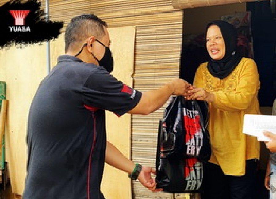 Yuasa Battery Donasikan Paket Sembako Untuk Masyarakat Yang Terdampak Covid-19
